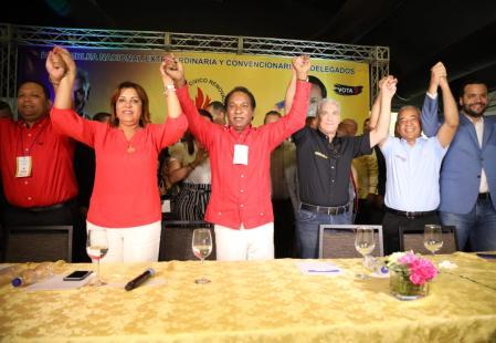 Partido Cívico Renovador proclama a Gonzalo Castillo como candidato presidencial