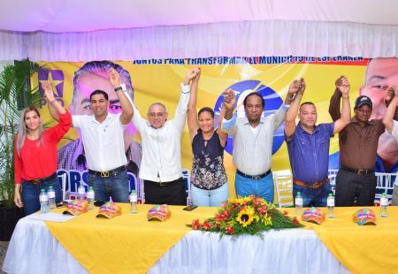 Presidente del PCR repudia uso de la bandera dominicana sin escudo
